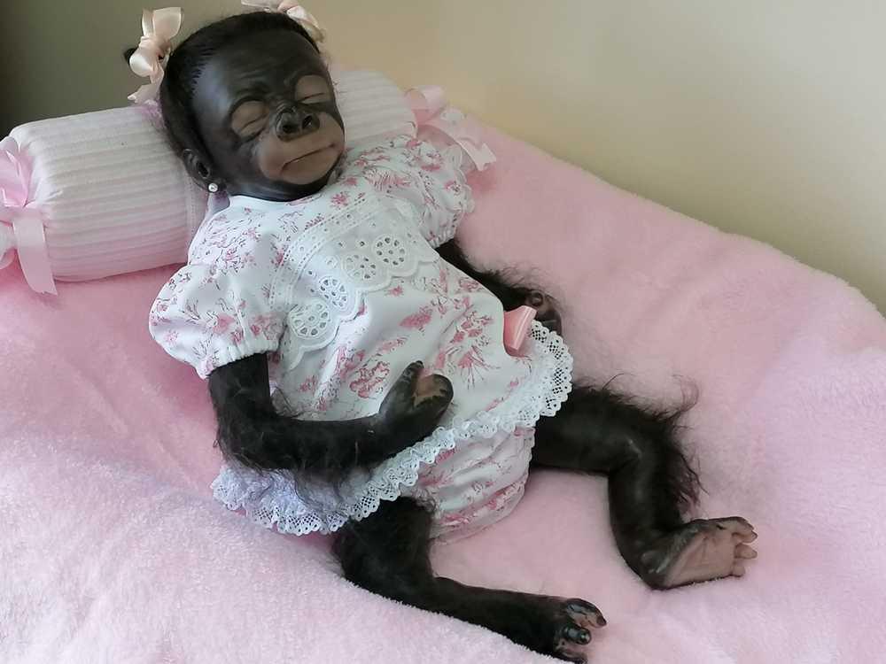 Bebé reborn chimpancé